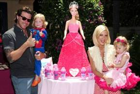 Tori Spelling and daughter Stella McDermott