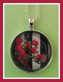 Instant Domed Photo Pendant Kit Review and Giveaway!
