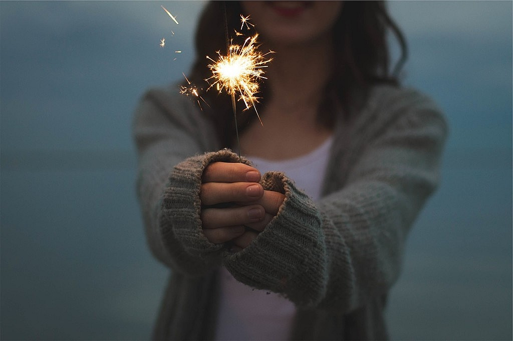 Kids Sparkler Safety Tips + Printable
